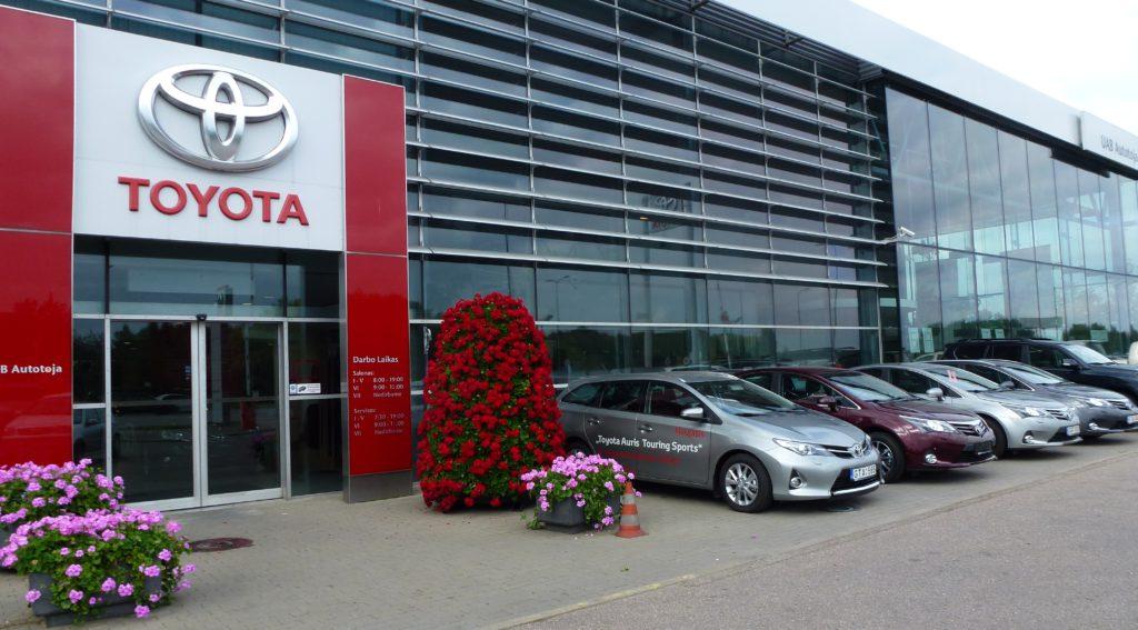 Autotoja_Toyota_pastatas